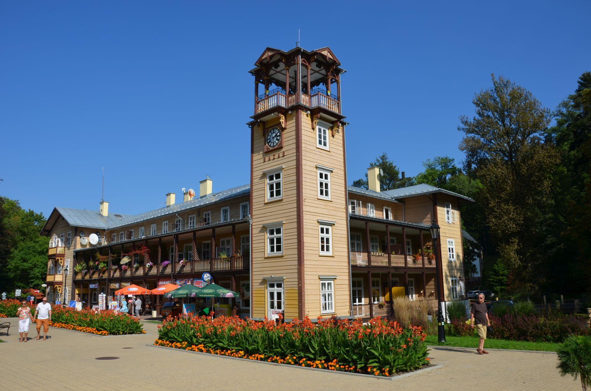 pensonat Bazar, drewniany zabytek w Iwoniczu_zdroju
