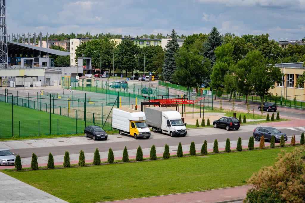 widok na teren Miejskiego Ośrodka Sportu i Rekreacji w Mielcu